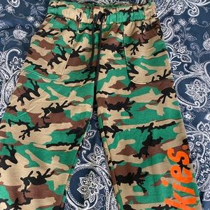 Dickie's camouflage neon jogging track pants